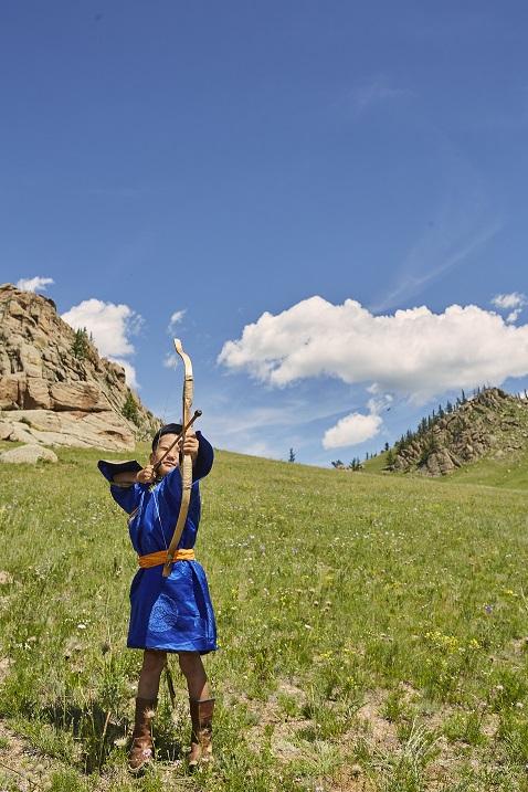 Mongolei Bogenschießen - Ross Hillier_small