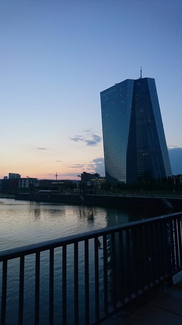 Sonnenuntergang von der Deutschherrnbrücke in Frankfurt