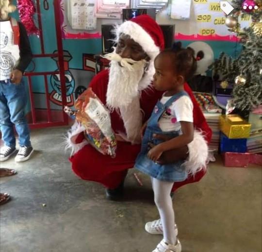 Uganda_Weihnachtsmann